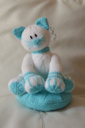 Claude the Cat Soft Toy Knitting Pattern