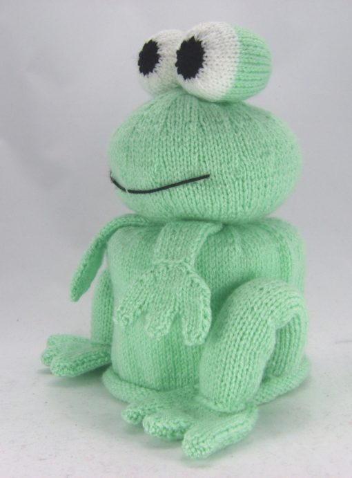 bog frog knitting pattern toilet roll cover double knitting green