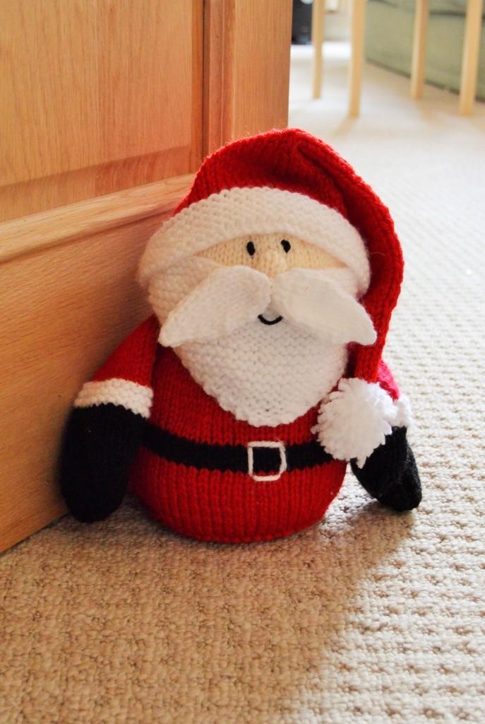 santa doorstop knitting pattern christmas
