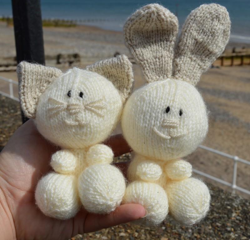 Knitting Patterns Rabbit Soft Toy : Cat rabbit and dog soft toy knitting pattern