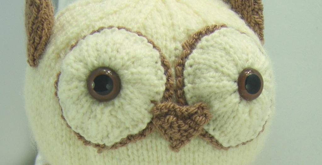 Knitting By Post Owl : Owl doorstop knitting pattern by post