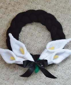 memorial wreath knitting pattern with lillies remembrance