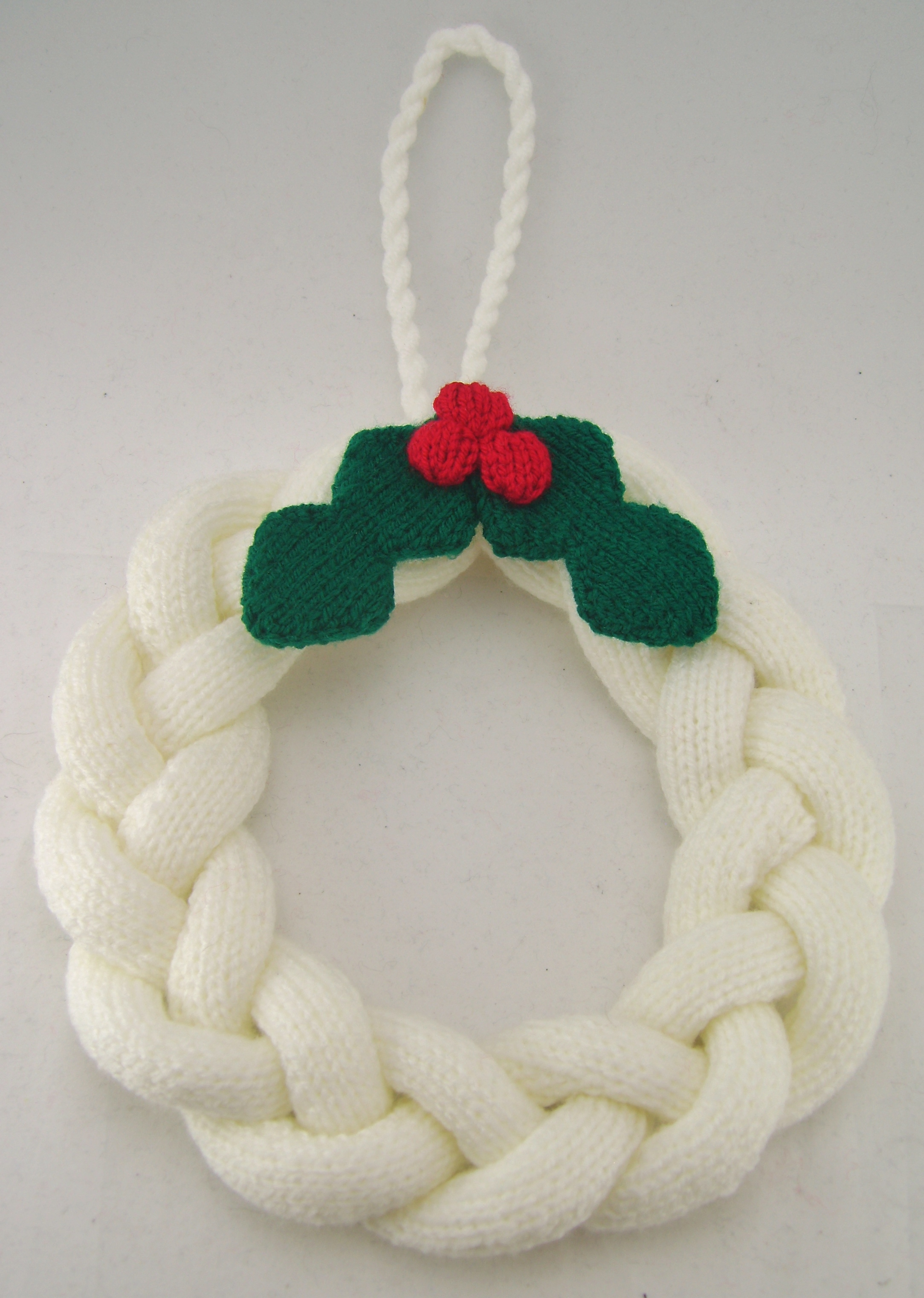 Simple Knitted Christmas Wreath Knitting Pattern – Knitting by Post