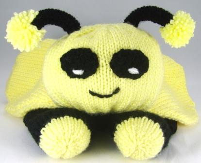 Free Dog Patterns To Knit : Bee Pyjama Case Knitting Pattern   Knitting by Post