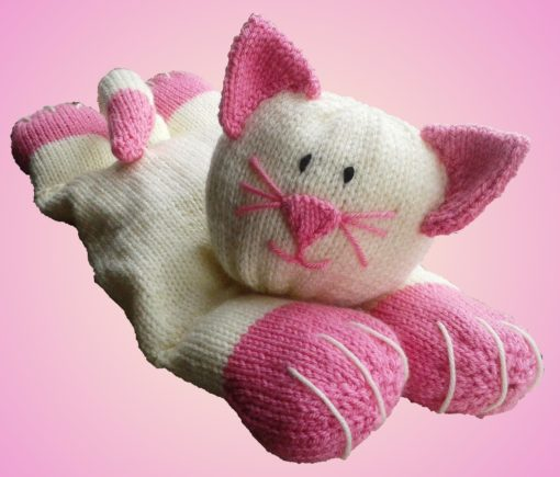knitted cat pattern in chunky pyjama case