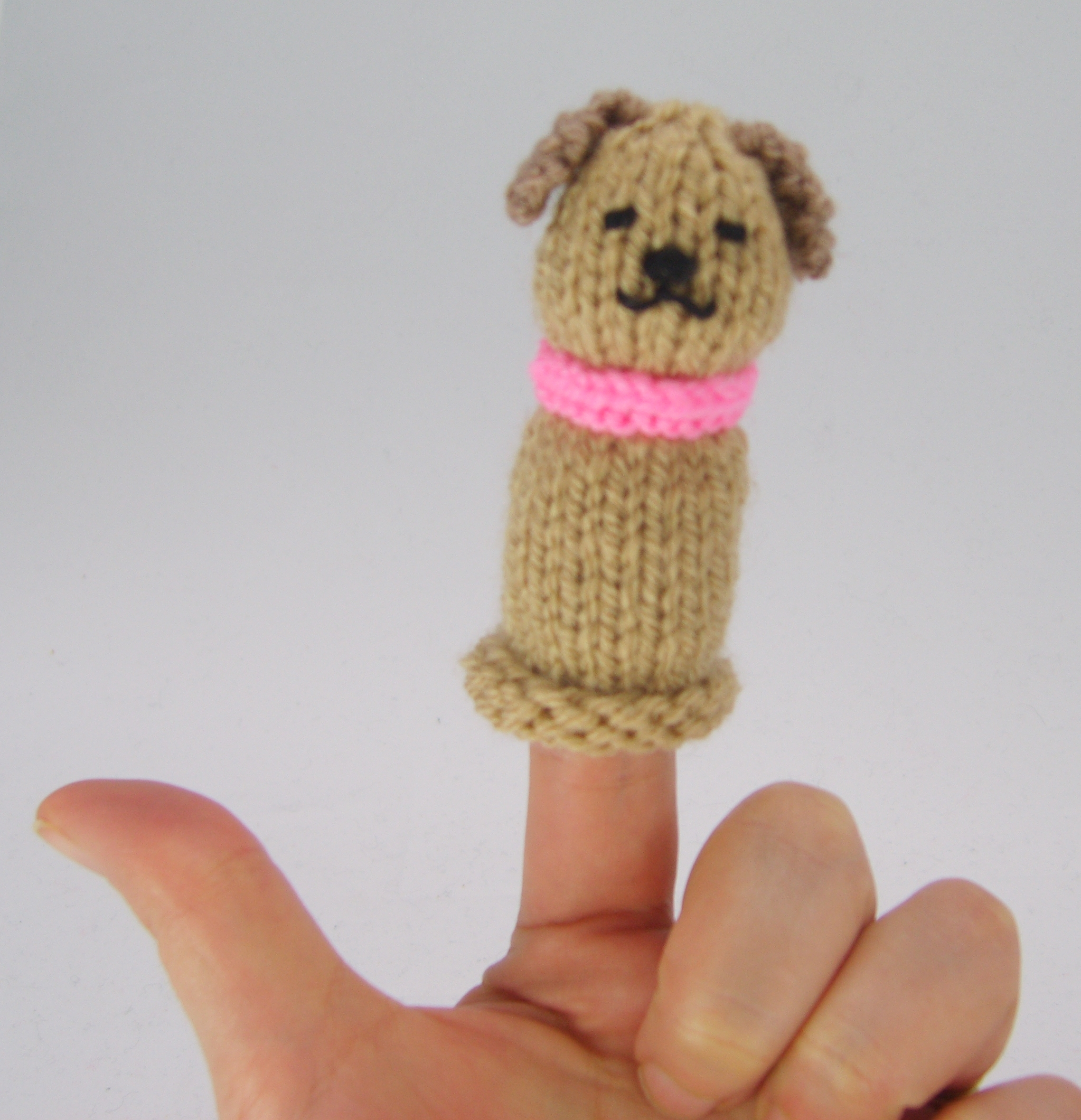 Dog Finger Puppet FREE Knitting Pattern Download – Knitting by Post