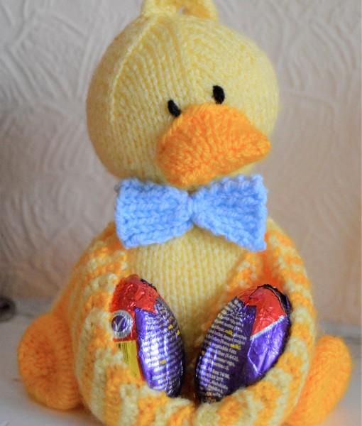 Duck Knitting Pattern : Ducky Egg Soft Toy Knitting Pattern   Knitting by Post