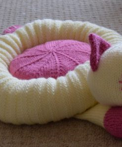 Cat pet bed knitting pattern