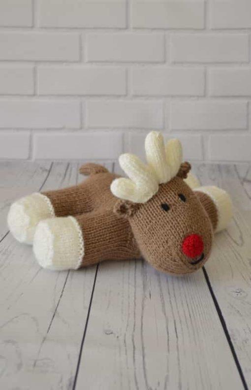 Reindeer knitting pattern