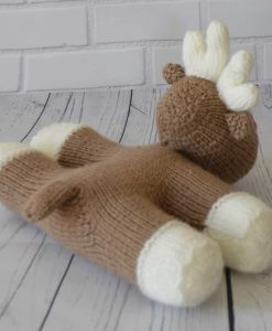 knitted reindeer pattern