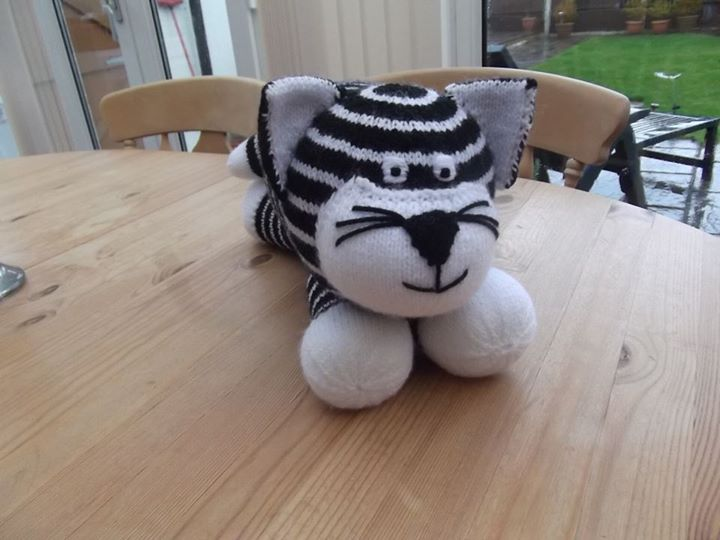 1st attempt, I was asked to make a black and white cat, not too sure about it