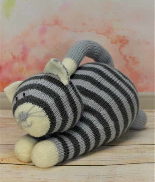 Cat Design Knitting Pattern : Playful Cat   Knitting by Post