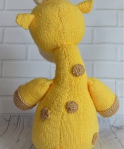 knitted giraffe pattern