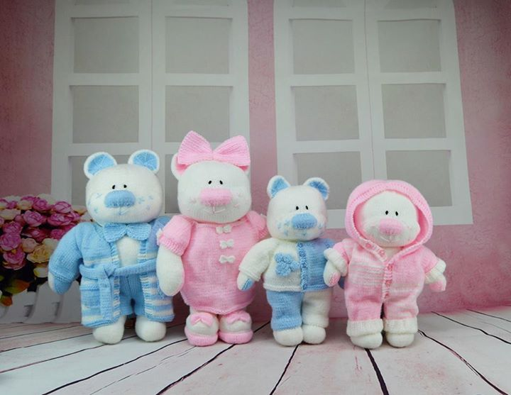 Vicky Gordon updated the group photo in Knitting by Post - Finished Toys.