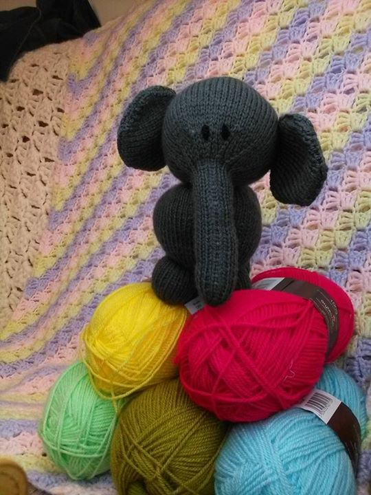 Done myself a little elephant. I was thinking about doing another in a different colour. What colour should I use?