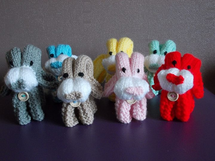 Love knitting these folded dogs....Loving these little cuties.....