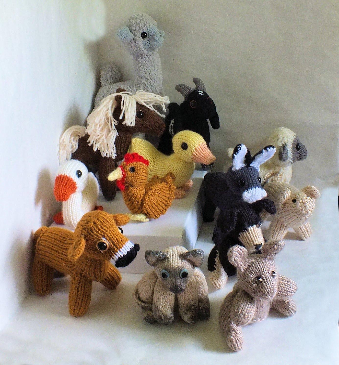 Knitting Stuffed Animals : Loom knitted stuffed animal pattern book in paperback