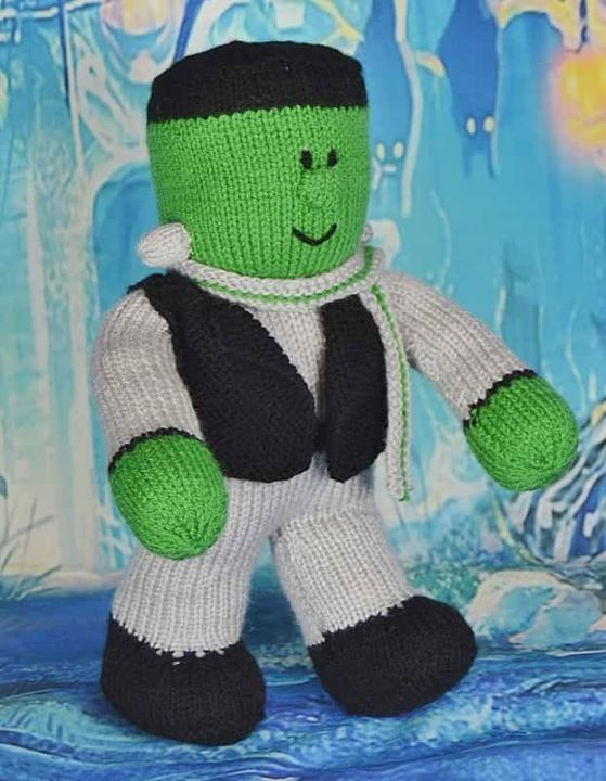 Halloween's coming! Ready for some spooky knitting. Get your Halloween knitting patterns here.