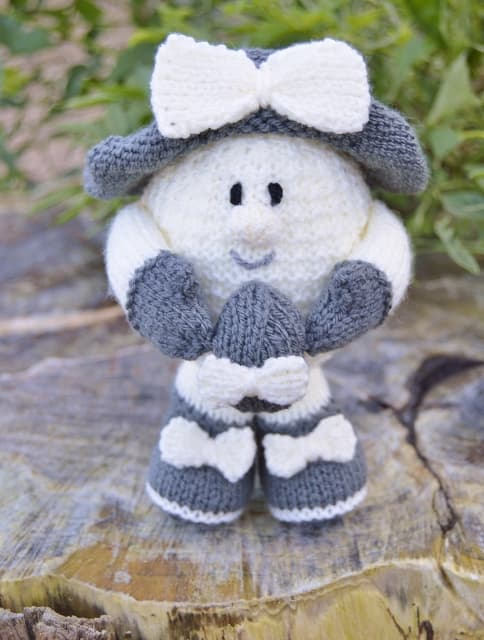 April the Easter Egg Knitting Pattern - Knitting by Post