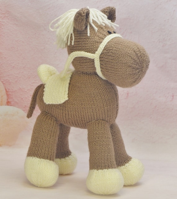 horse knitting by post
