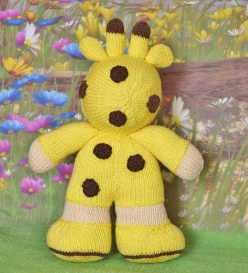 knitted giraffe pattern