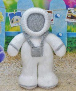 astronaut knitting pattern