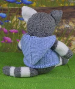 knitted cat pattern