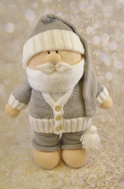 Boxing day santa in grey and white knitting pattern
