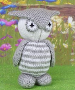 Twoo the toy owl knitting pattern in grey and white