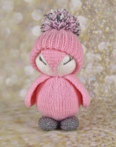 Toy pinky the penguin knittig pattern soft toy with pom-pom hat