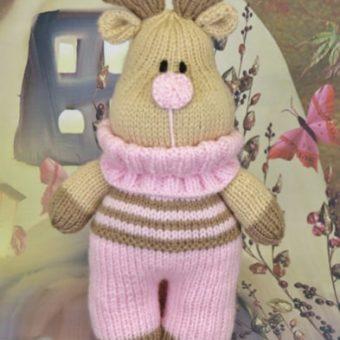 Toy reindeer knitting pattern