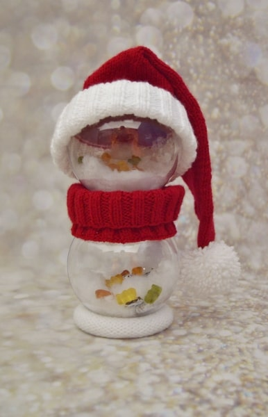 santa bauble character knitting pattern decoration