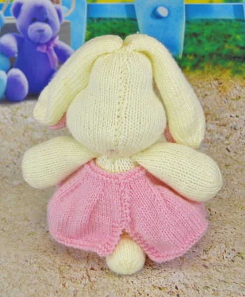 knitted bunny pattern in pink and cream