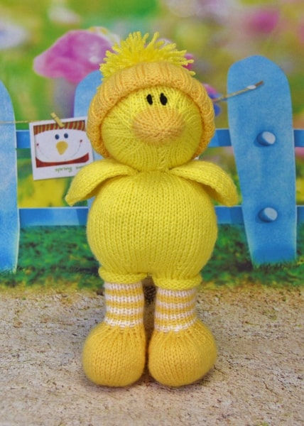 knitted easter duck chick toy knitting pattern